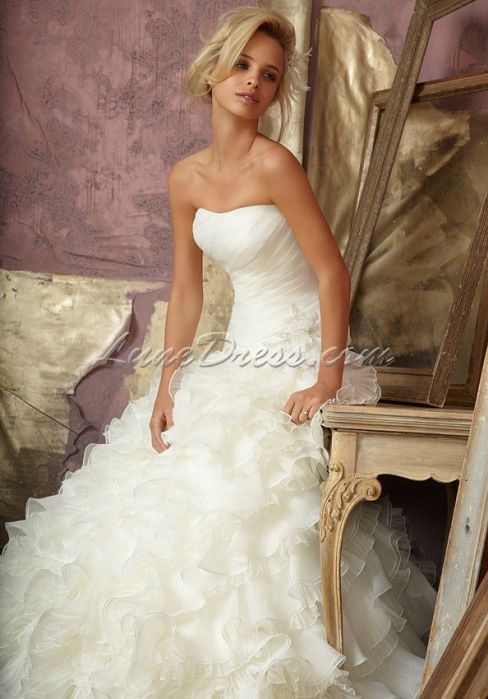 ruffles wedding dress ruffles wedding dresses without the flower on the side