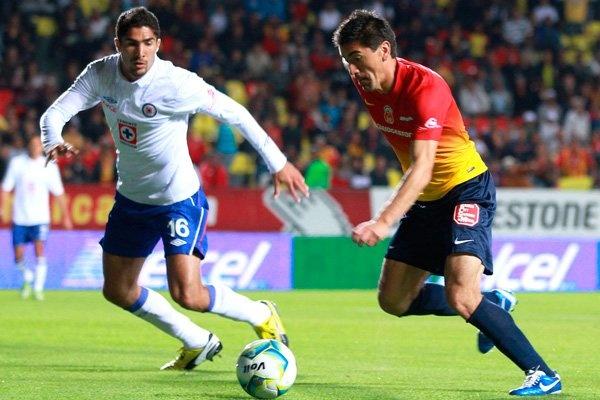 Morelia vs Cruz Azul En Vivo por Azteca 13 de TV Azteca juego de vuelta de los Cuartos de Final de la Liga MX Clausura 2013 juegan hoy Domingo 12 de Mayo del 2013 a partir de las 18:00hrs Centro de México en el Estadio Morelos. Morelia, Michoacán.