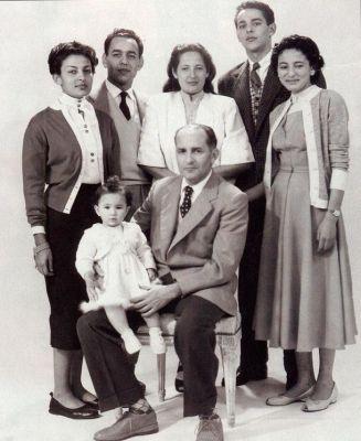 Archives : la famille royale du Maroc en exil à Madagascar en 1954