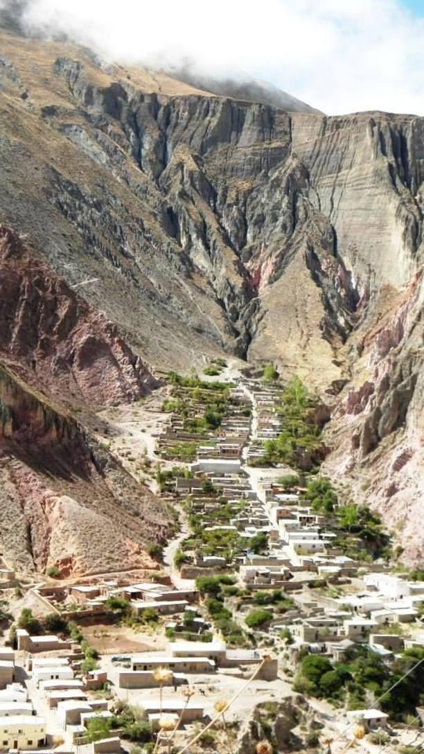 Iruya, Argentina — by José Faletic. otra vista del pueblo desde arriba.