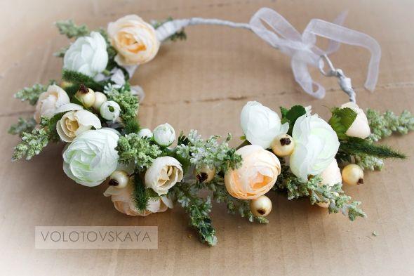 Белоснежно-розовый цветок с цветами http://www.evna.by/venok-s-cvetami-13356