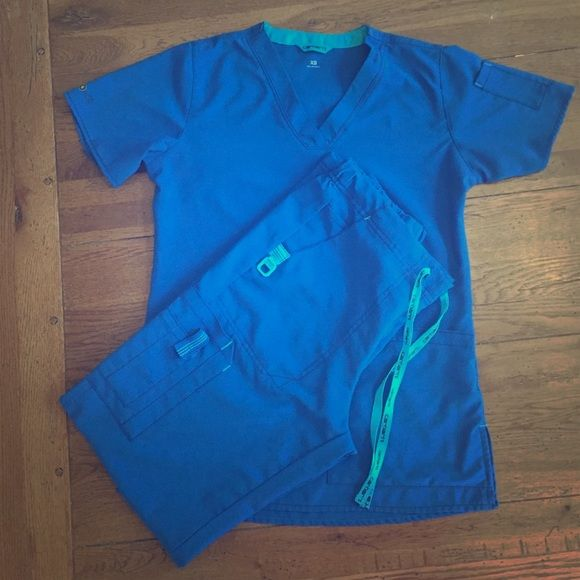 Carhartt Royal Blue Scubs I love the material these scrubs offer.  They are very flattering! The best part? NO IRON NEEDED! JUST TAKE OUT OF DRYER AND PUT ON! Carhartt Other