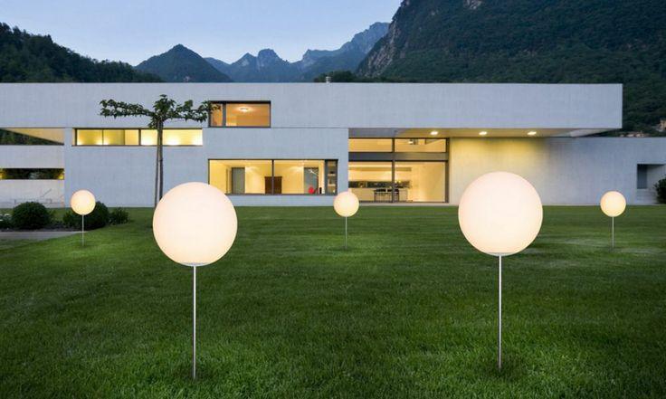 Jak zaplanować oświetlenie wokół domu? jakie lampy są obecnie najpopularniejsze? Odpowiedź na te pytania znajdziecie w najnowszym artykule w Poradniku kupującego