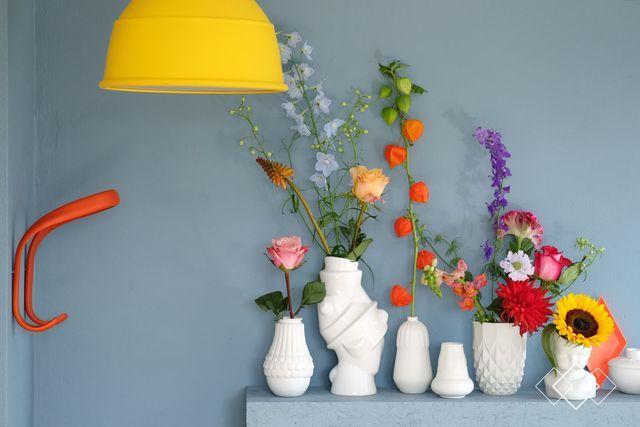 'Een kleur waarmee je alle kanten op kan', zo presenteert Flexa 'Denim Drift', de trendkleur van 2017. Creative Director Heleen van Gent legt uit dat we de kleur blauw elke dag overal tegenkomen: denk