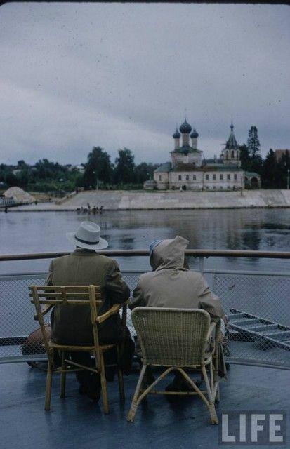 Палуба теплохода «Крылов», вид на город Углич, 1958 год - Тогда