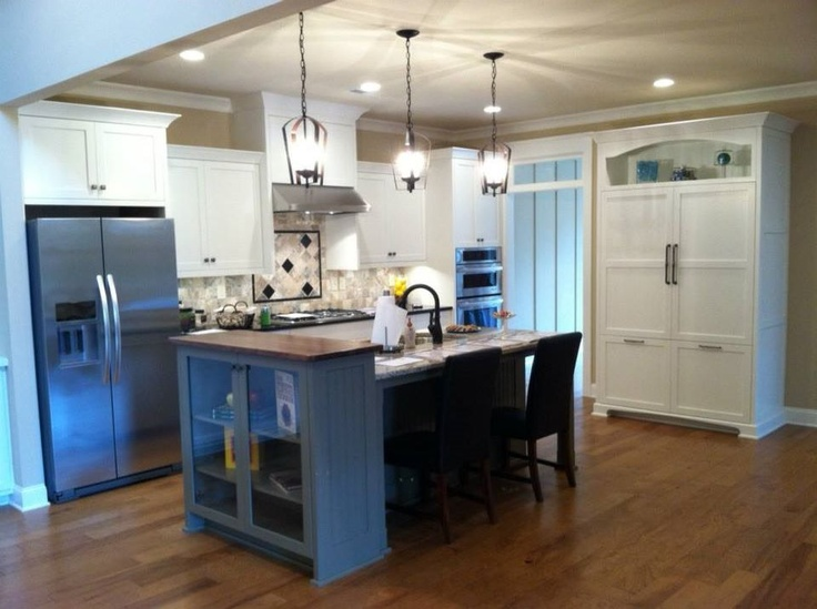 This kitchen features our RTA Streamline products-work done by our loyal customer in Alabama; you can check out more about this product line on our website at http://www.decore.com/products/decore-brands/streamline