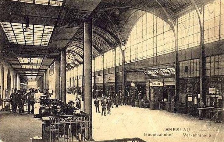 Widok na hall dworca.Lata 1900-1920