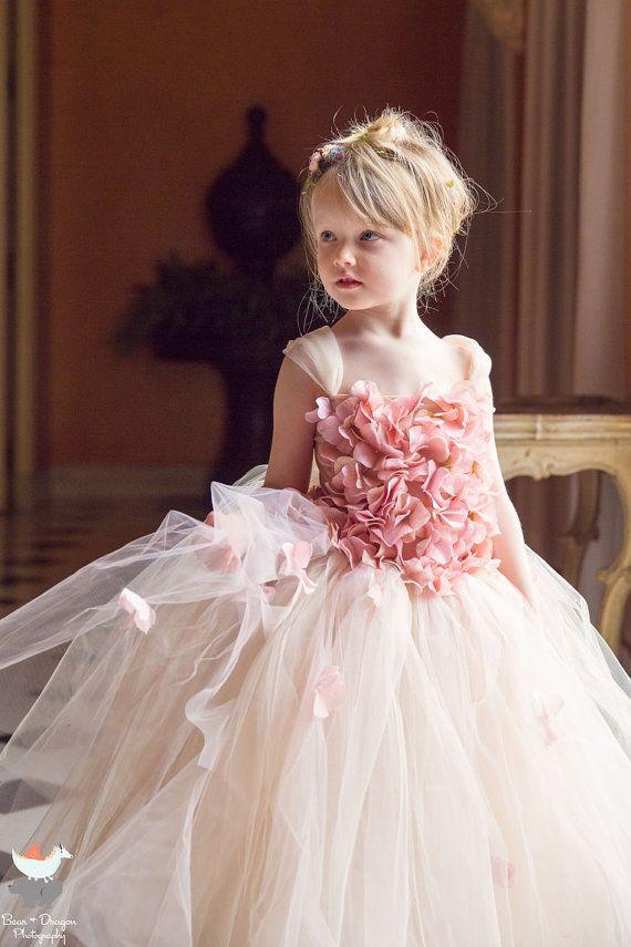 La muchacha de flor rosa Champagne vestido vestido por FashionTouch