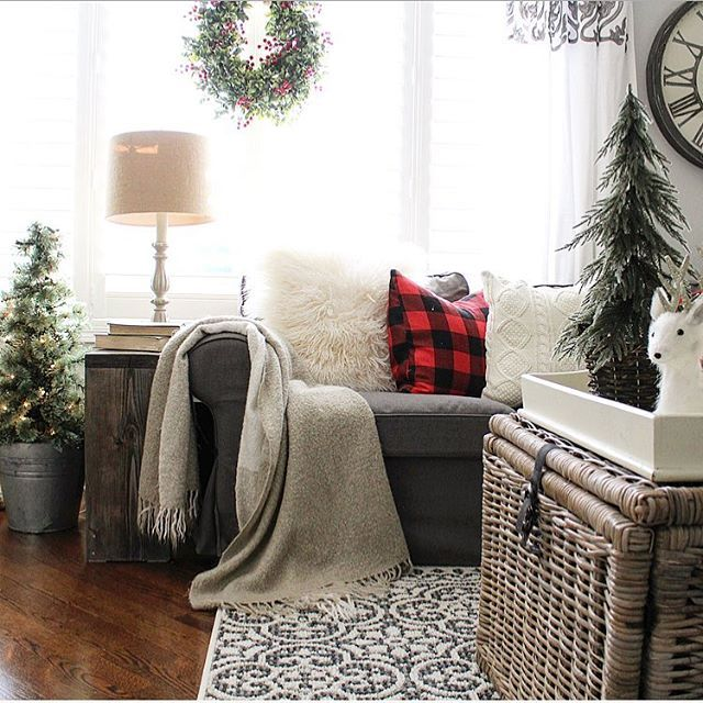 Can't wait to get cozy in here this eve and watch the finale of Outlander!  My Sunday nights won't be the same without this show anymore, beginning another year of Droughtlander...#cozy #cozyroom #livingroom #couch #pillowtalk #christmastime #christmasideas #christmasdecor #bhghome #styleathome #interiordesign #holidaydecor