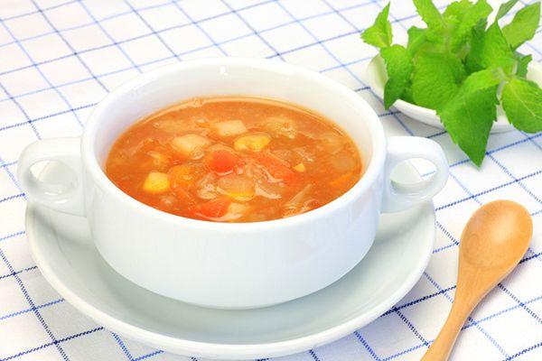 食べれば食べるほど痩せると話題になった脂肪燃焼スープ。ちょっと前に話題になったのでいまさら聞けないという人のために、その効果と作り方を紹介します。