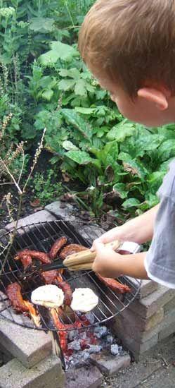 kindvriendelijke-tuin, mooie BBQ