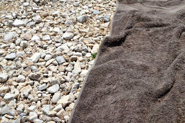 Kamienna plaża w Makarskiej, więcej na blogu: http://bit.ly/1Y6XZ3g