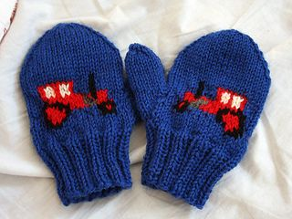 Gustaf - tractor mittens by Kamilla - free