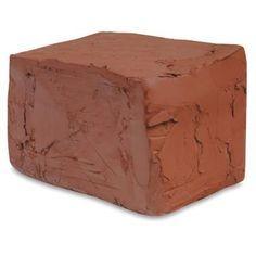 Como fazer argila caseira. A argila é um composto de rochas sedimentares e grãos muito finos que, quando em contato com a água, pode ser moldada de forma a originar peças simples como vasos ou esculturas. Por essa razão é um ma...