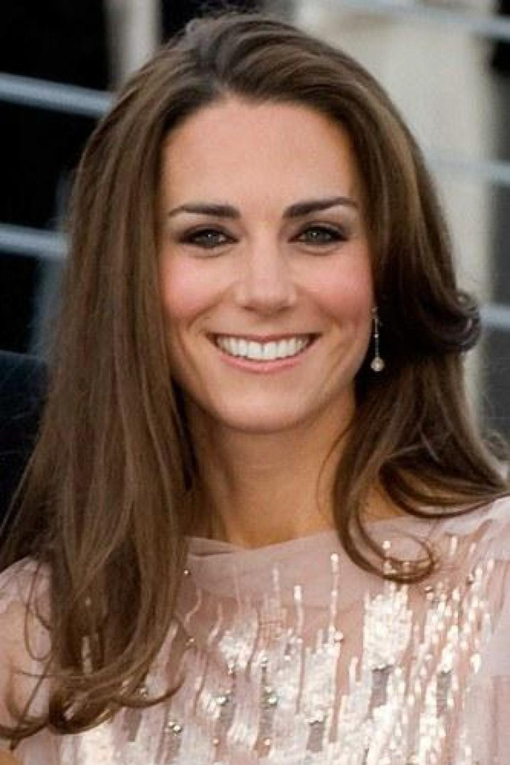kate middleton une romanci re s 39 en prend violemment elle kate middleton. Black Bedroom Furniture Sets. Home Design Ideas