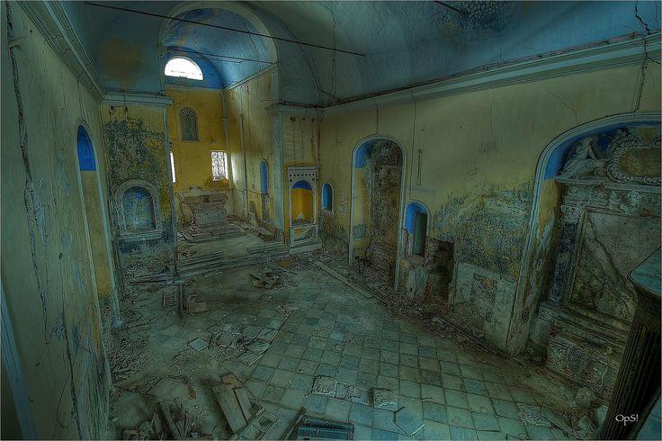 Το πιο απόκοσμο χωριό της Μεσογείου - Ρημαγμένα αρχοντικά, σοκάκια λαβύρινθοι [εικόνες]   DefenceNet.gr