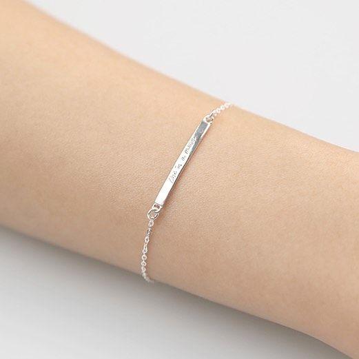 Our new delicate message bracelet. ✨  #new #newarrival @etsy #messagejewelry #oneinamillion #onlyforyou #AOTD #instajewelry…