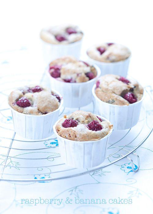 raspberry and banana mini cakes...by il cavoletto di bruxelles