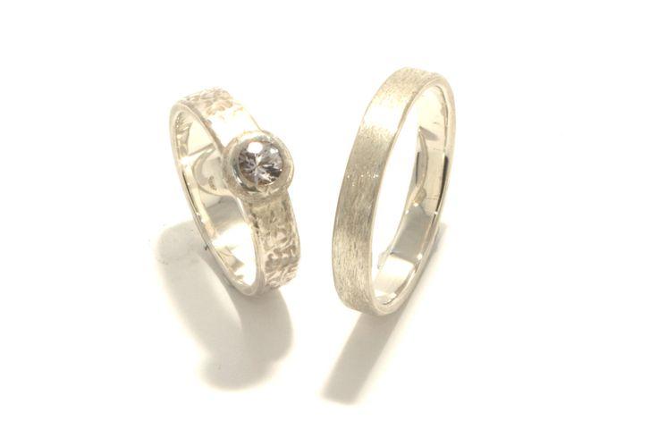Sparkle: Silver, white saphire, structure / Zilver, witte saffier, structuur