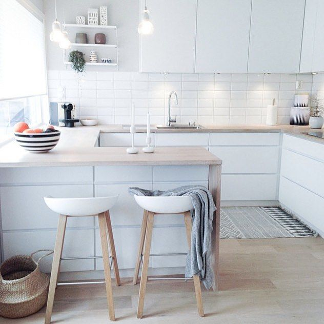 "Immy + Indi pe Instagram: ""Just adore the kitchen of @frukleppa  (plus she has my favourite stools) 