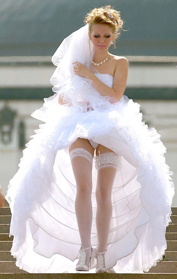 ложусь покрывало фото невест с задранным платьем взгляните то