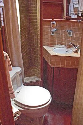 17 best images about flw walker house cabin on the for Best bathrooms on the road