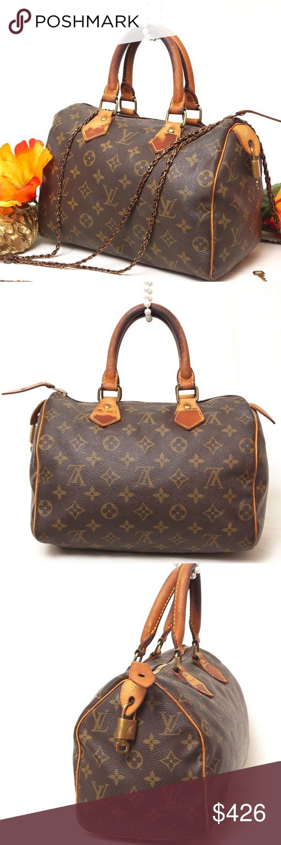 """AUTH LOUIS VUITTON SPEEDY 25 VINTAGE SATCHEL BAG Adorable LV SPEEDY. Preloved in very good vintage condition. Leather shows some discoloration. Corners show slight wear. No rips stains. Key and lock included. This is one of the most beautiful thing your closet will have. Size 10,5""""x7,5""""x6"""". Pet smoke free home.  AUTHENTIC❣️PATENT LEATHER ❣️FAST SHIPPING!  ⏳My items sell fast. Get them before gone.⌛️Please see my other listings. Bundle & save.. I have over 200 different  listings with more to…"""