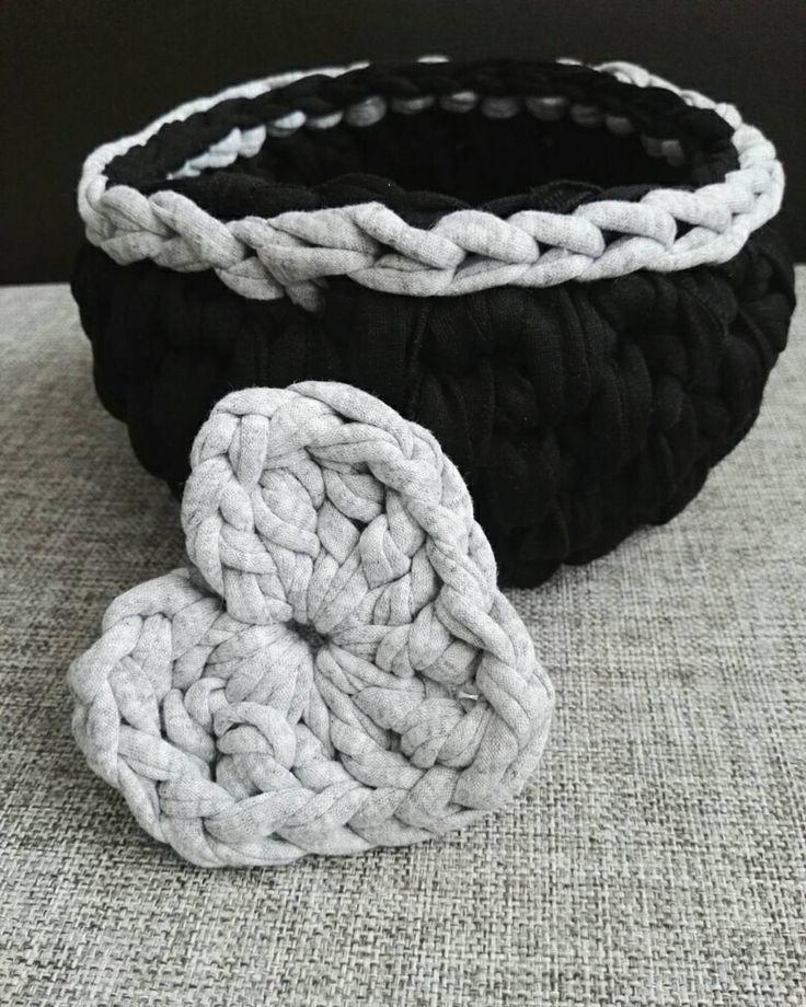 ❤#crochet #crocheting #crochetbasket #koszyk #szydełko #szydełkowanie #craftart #craft #polishcraft #handmadeinpoland #handmadedecor #kottoon #tshirtyarn #zpagetti #yarnporn #recznarobota #rekodzieło #yarn #i_love_rekodzielo #karolahandmade #heart #crochetheart #progress
