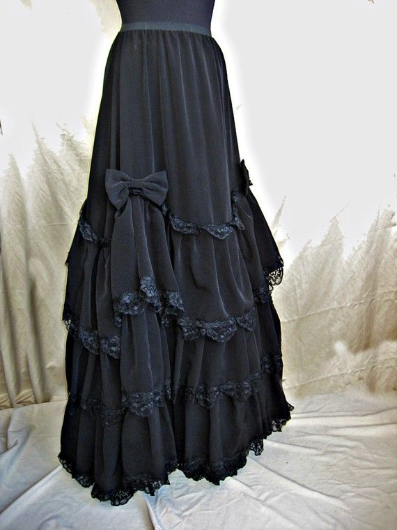 2054 best robe gothique images on Pinterest   Goth dress ...  Modern Victorian Gothic Clothing