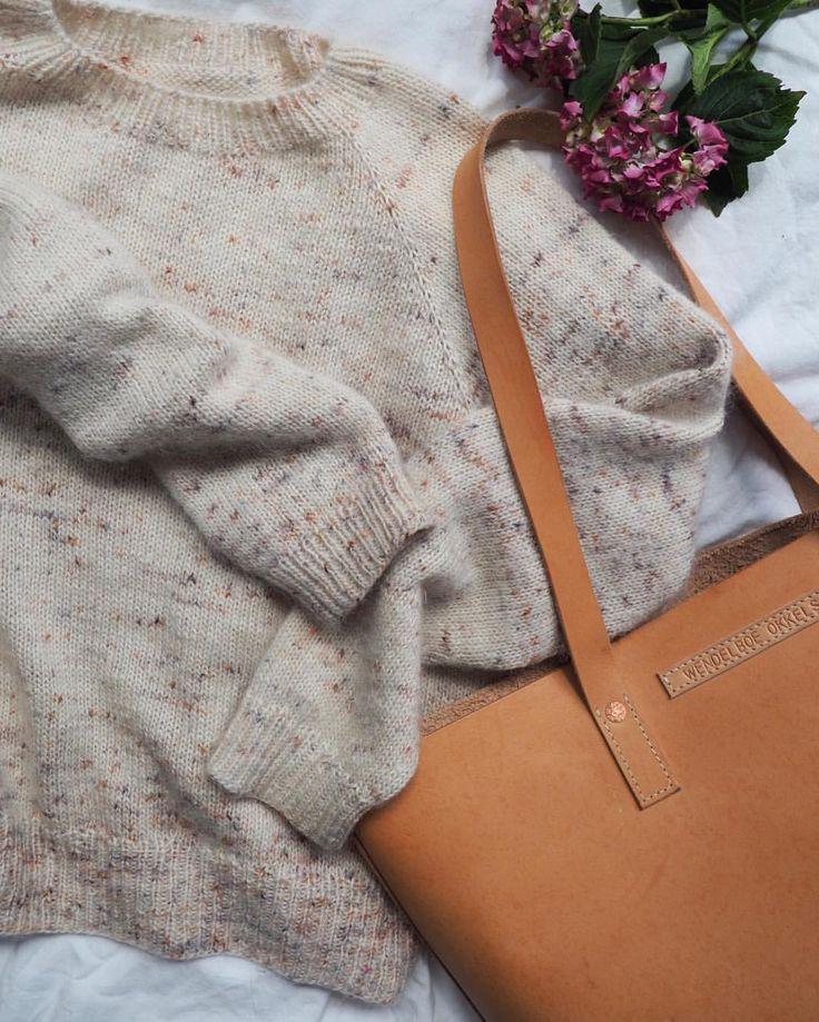 """1,150 likerklikk, 30 kommentarer – PetiteKnit • knitting patterns (@petiteknit) på Instagram: """"Ingen Dikkedarer Sweater  Mange har spurgt, hvilket garn jeg har strikket denne sweater i. Det er…"""""""