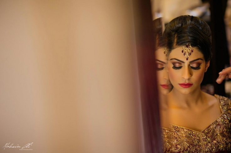 indian bridal hair and makeup   red lipstick www.weddingstoryz... Wedding Storyz | Indian Bride | Indian Wedding | Indian Groom | South Asian | Bridal wear | Lehenga details | Bridal Jewellery | Makeup | Hairstyling | Indian | South Asian | Mandap decor | Henna Mehendi designs
