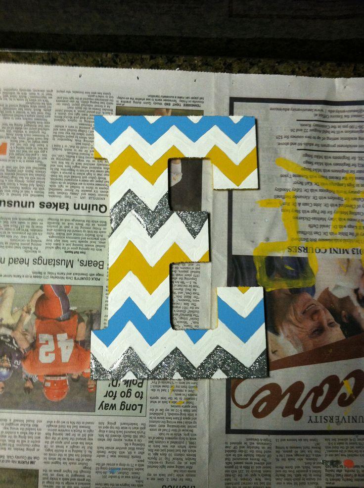 Monogram letter in chevron. DIY craft for the dorm room!