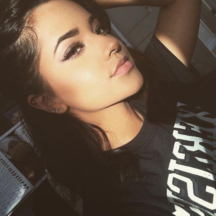 Becky G selfie