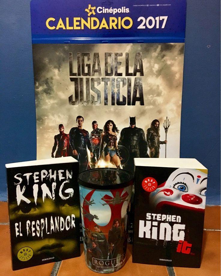 Como cuando vas al cine y regresas con todo esto.  😬😍🙈🎬📚  #RogueOne #JusticeLeague #StephenKing #Books