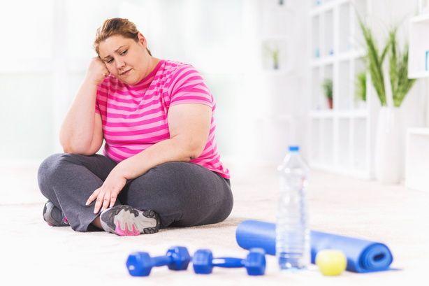 Вы перешли на здоровое питание и думать забыли о жареном и алкоголе, а вес продолжает стоять на месте. Но есть причины, позволяющие понять почему вы не худеете. http://estportal.com/pochemu-vy-ne-xudeete/  #EstPortal #эстетическийПортал #косметология #тело #похудение