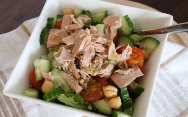 Simpele maaltijdsalade als lunch