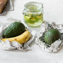 AVOCADO - Unreife Avocados_featured