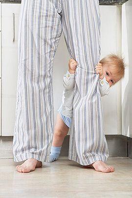 Warum Ihr Baby fremdelt und warum Fremdeln ein Zeichen für Reife ist, lesen Sie hier. Außerdem: Tipps wie Sie mit dem Fremdeln Ihres Kindes umgehen sollten. © Thinkstock