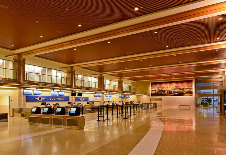 Indy 4-inch LED square Designer Series downlights evenly illuminate the terminal at the Bill and Hillary Clinton National Airport in Little Rock, Arkansas.