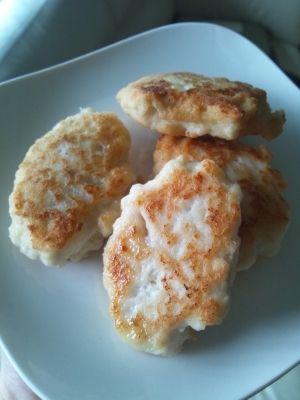 楽天が運営する楽天レシピ。ユーザーさんが投稿した「【離乳食・後期】鳥と豆腐ふわふわナゲット」のレシピページです。食べつかみご飯にぴったりお子様用チキンナゲット。豆腐でふわふわしていて美味しいです。。鳥豆腐ナゲット。鳥胸ひき肉,豆腐,片栗粉,油