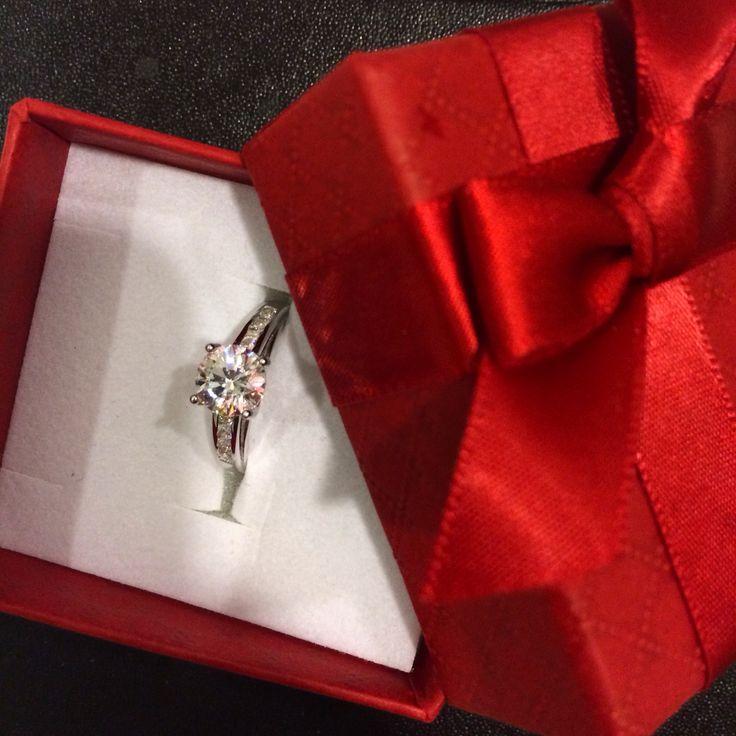 Ring from my lovely boyfriend #swarovski #ring my instagram @ggurtlerova #love #jewelry #diamond
