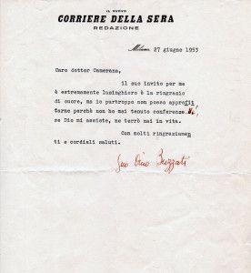 Dino Buzzati, lettera dattiloscritta firmata su carta intestata del Corriere della Sera: mezza pagina scritta da Milano il 27 giugno 1953 al dottor Camerana, presidente dell'Associazione Culturale Italiana.