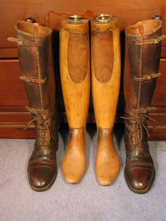 Superb Edwardian Period Long Leather Field Boots and Hard Wood Lasts WW1 British Army Officer Pattern C1915   A superb pair of Edwardian period WW1 British army officer leather long field boots with hard wood boot lasts. These are original vintage boots not later reproductions.  Both boots and hard wood lasts are in beautiful vintage condition.  They are a UK size 8 US 10.5 European 42