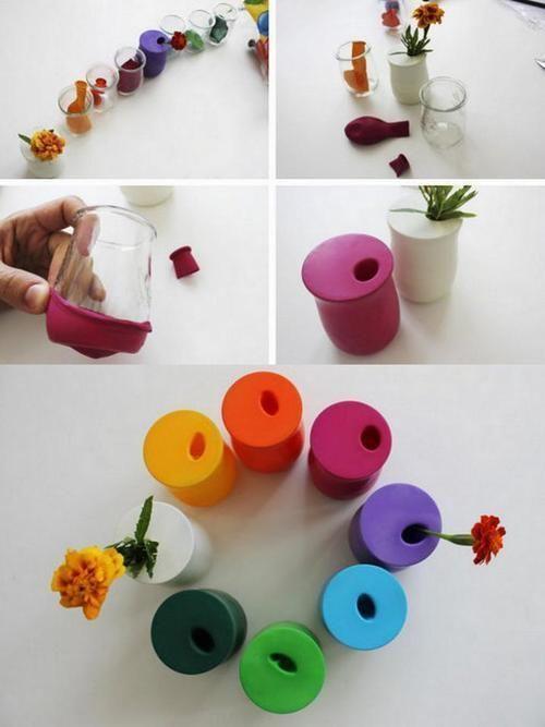 Petits vases fait à partir de pots de yaourt en verre et ballons ! Très simple et résultat super joli. A essayer aussi avec pâte polymère ?