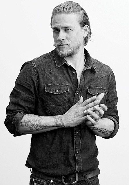 Charlie Hunnam - Happy Friday @Rebecca Evans and @Lindsey S  swoon swoon swoon.......