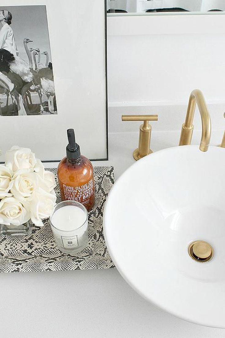 17 Trays For A More Tidy Bathroom Bathroom Vanity Tray Bathroom Tray Trendy Bathroom [ 1104 x 735 Pixel ]