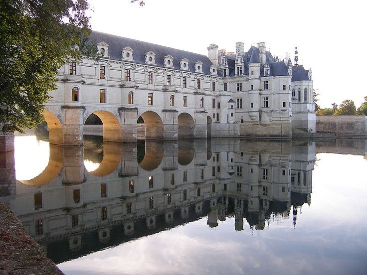 """Chateau de Chenonceau.Louise Dupin's literary salon at Chenonceau attracted such leaders of the Enlightenment as the writers Voltaire,Montesquieu,and Fontenelle, the naturalist Buffon,the playwright Marivaux,the philosopher Condillac, as well as the Marquise de Tencin and the Marquise du Deffand.Jean-Jacques Rousseau was Dupin's secretary and tutored her son. Rousseau,who worked on Émile at Chenonceau,wrote in his Confessions:""""We played music there and staged comedies.I wrote a play in verse…"""