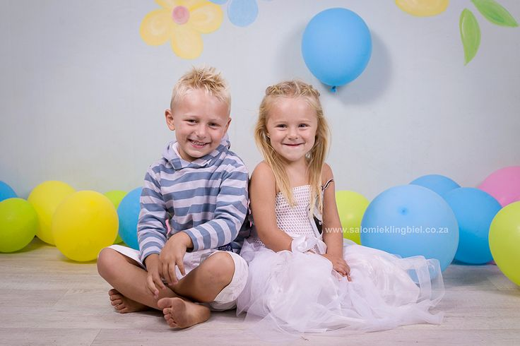 Siblings - Fun Balloon Theme