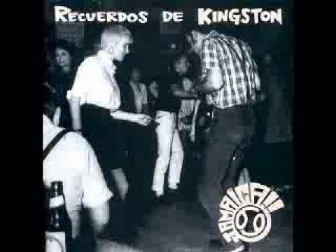 Un tema del disco Recuerdos de kingston...... Y suena y es la radio ... reggae suena y es la radio reggae reggae y es la radio reggae reggae y es la radio re...