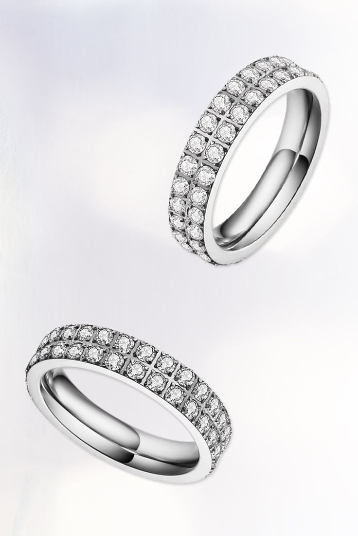 Schmuckliebe für die Ewigkeit. Die #Eternity Ringe werden aus hochwertigem, rostfreiem Stahl hergestellt. #stainlesssteel